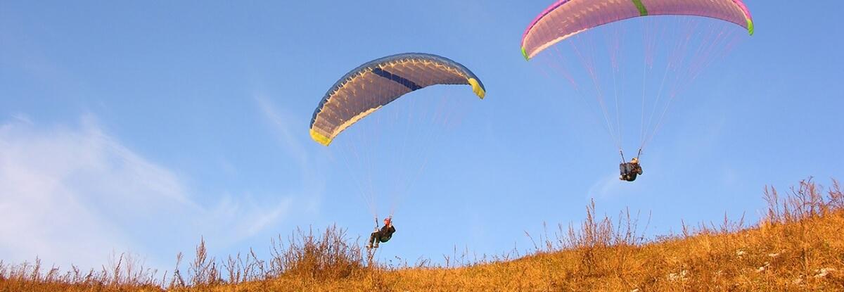 ATB-_0005_paragliden